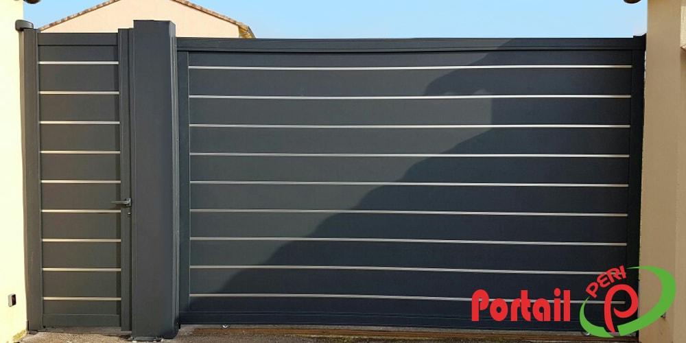 portail-aluminium-plein-gris-anthracite-contemporain